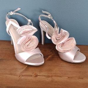 Tevolio gorgeous heeled sandals
